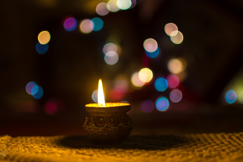5 Quick Ideas To Brighten Up Your Home This Diwali With Creativity